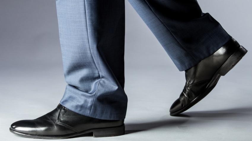 Hod u tuđim cipelama